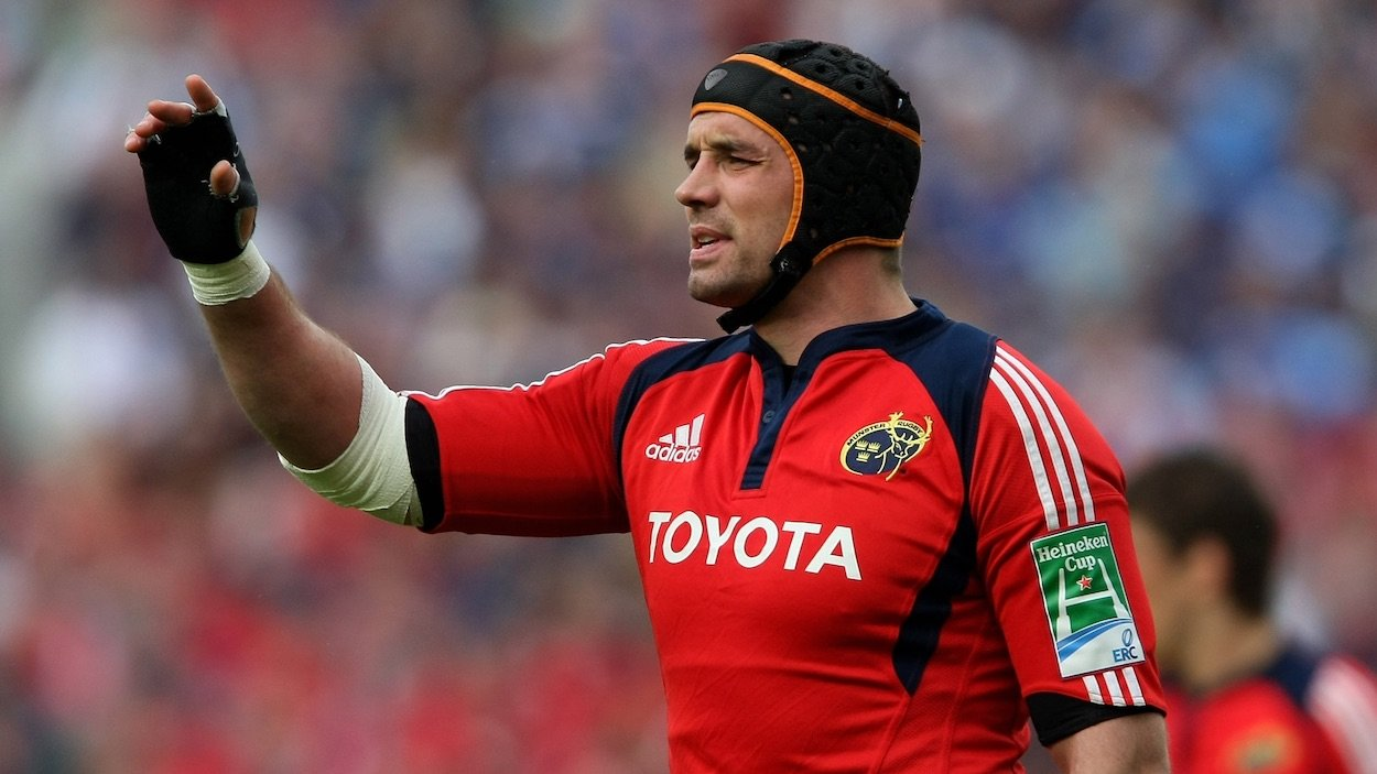 Beaumont represents 'safer pair of hands' - Ex-Ireland star weighs in on election battle