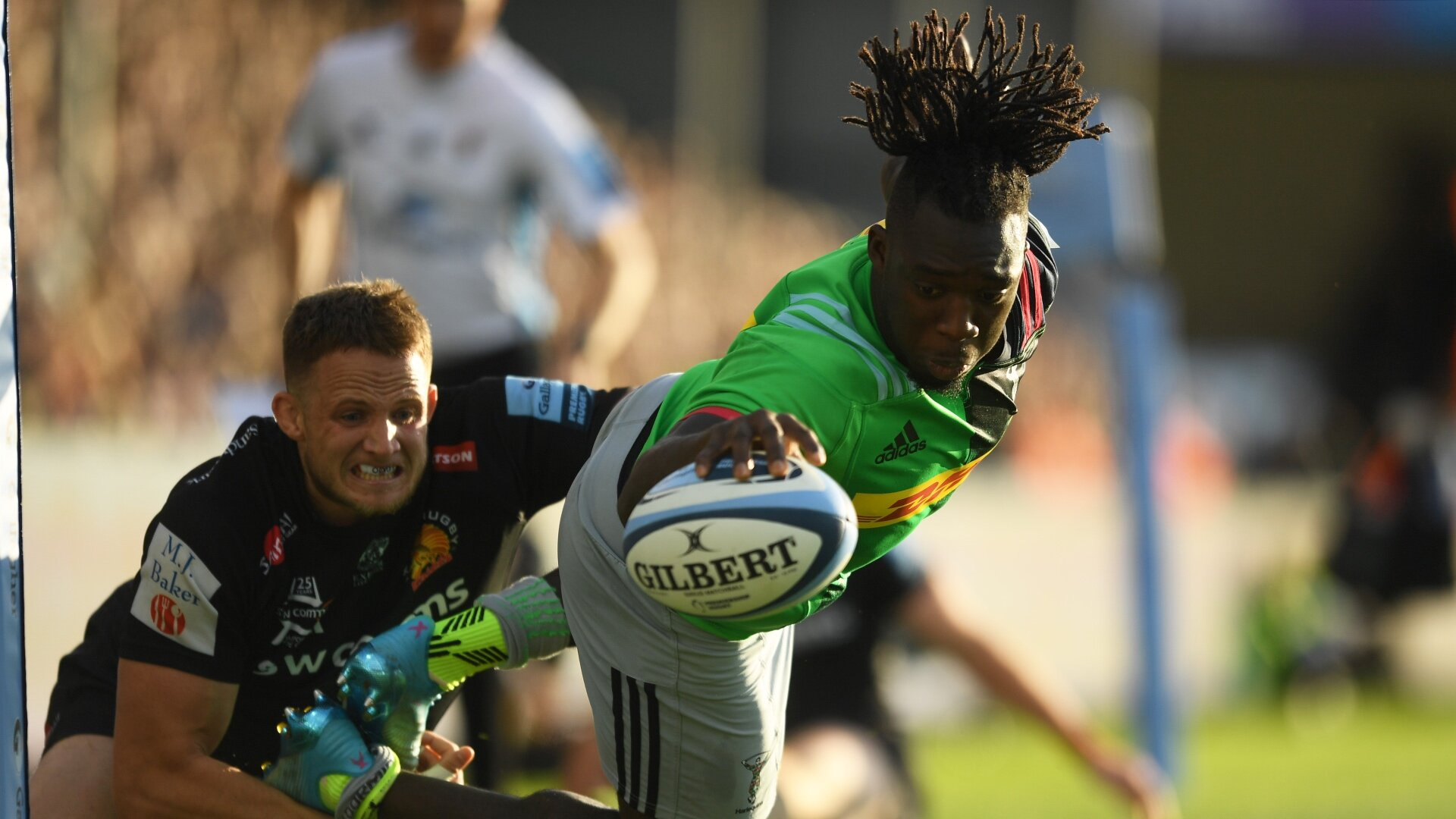 Ibitoye's try-scoring acrobatics eclipsed by Simmonds' barnstorming display