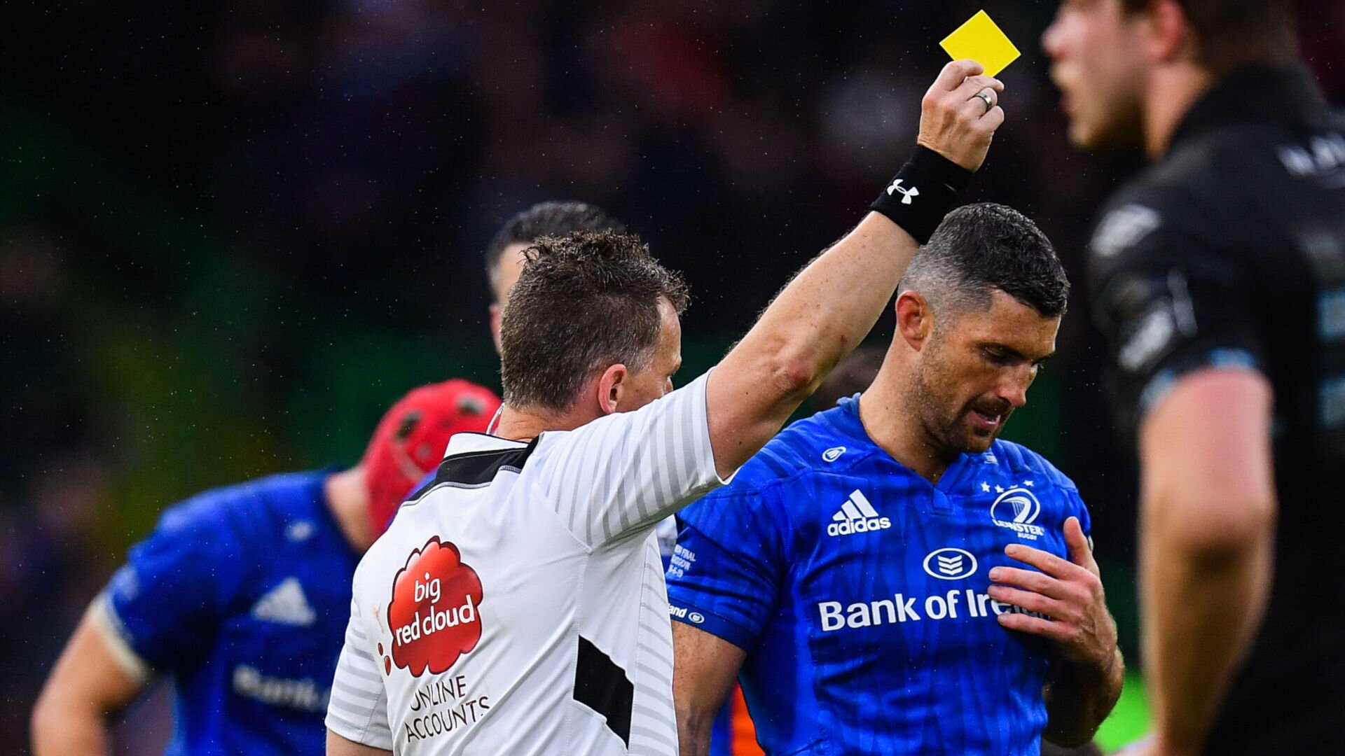Nigel Owens issues some sound career advice to Rob Kearney