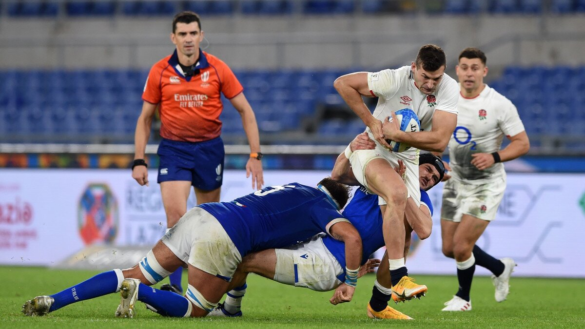 Jones puts pressure on Saturday's referee Pascal Gauzere after England's stuttering Italian job with the Frenchman in charge