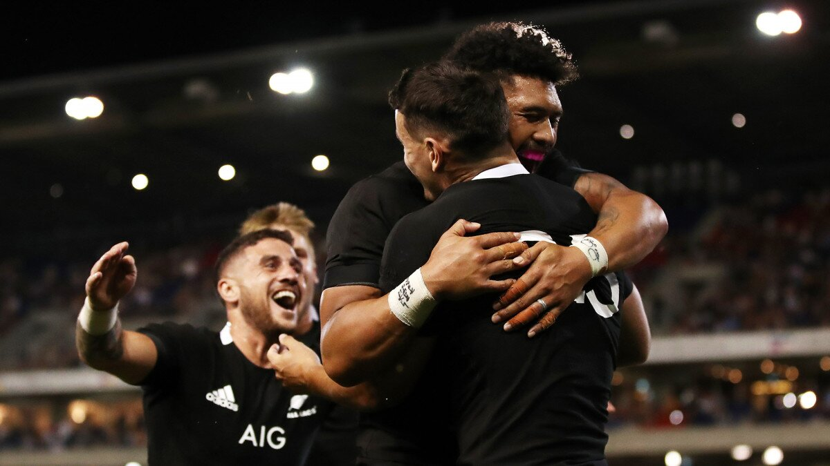 All Blacks score bonus-point win over Los Pumas to take pole position in Tri-Nations